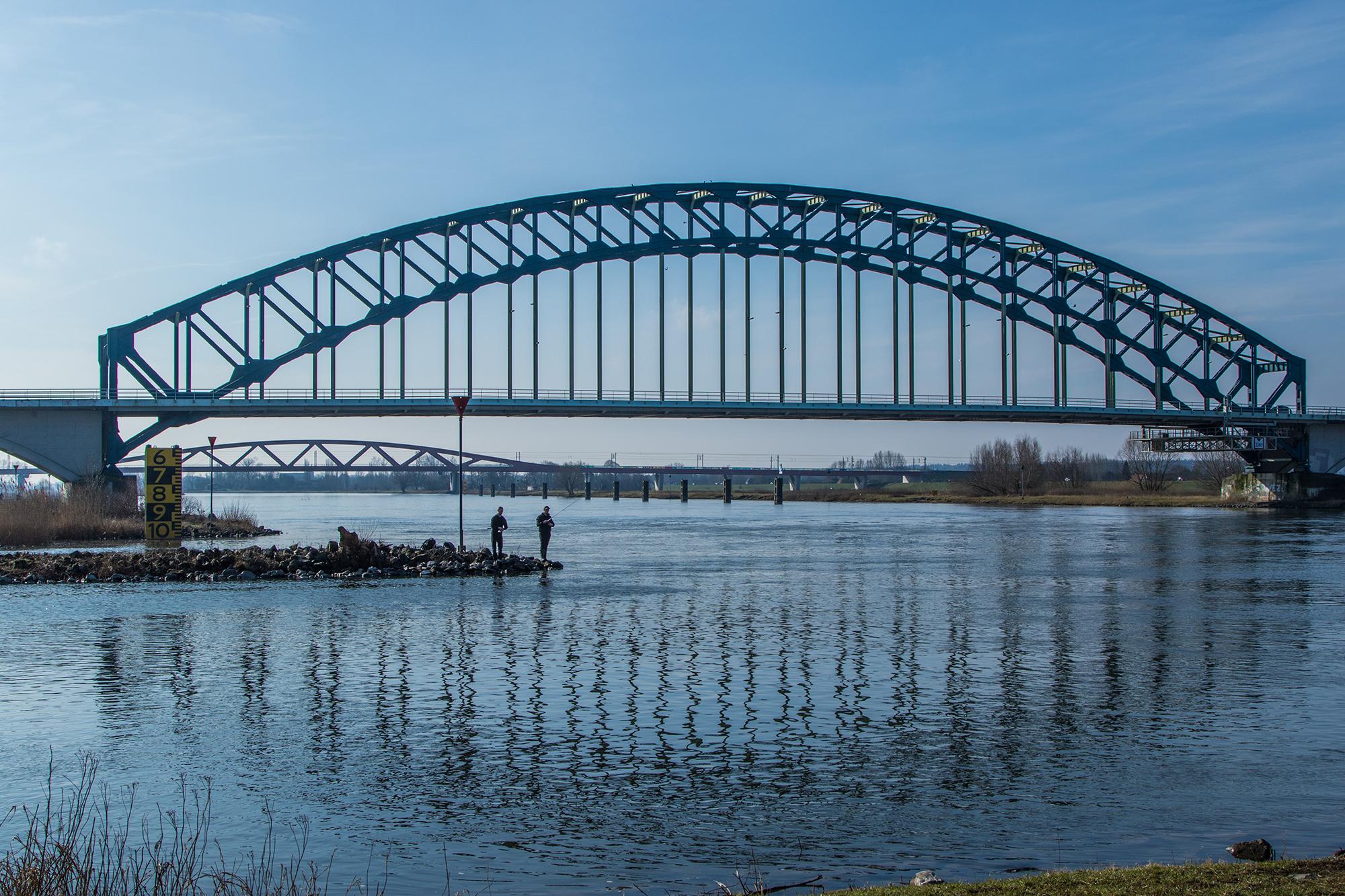 Foto: Diny Heidenrijk (bronvermelding verplicht bij overname) ijsselbrug