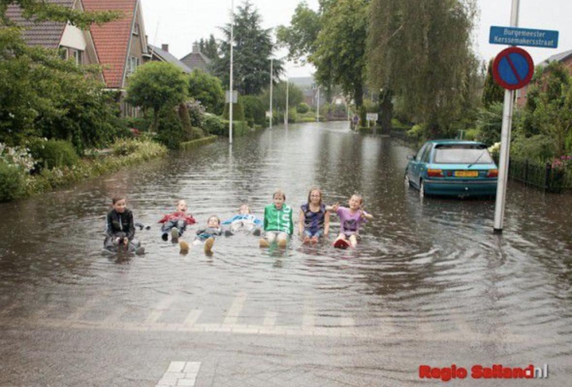 straat onder water